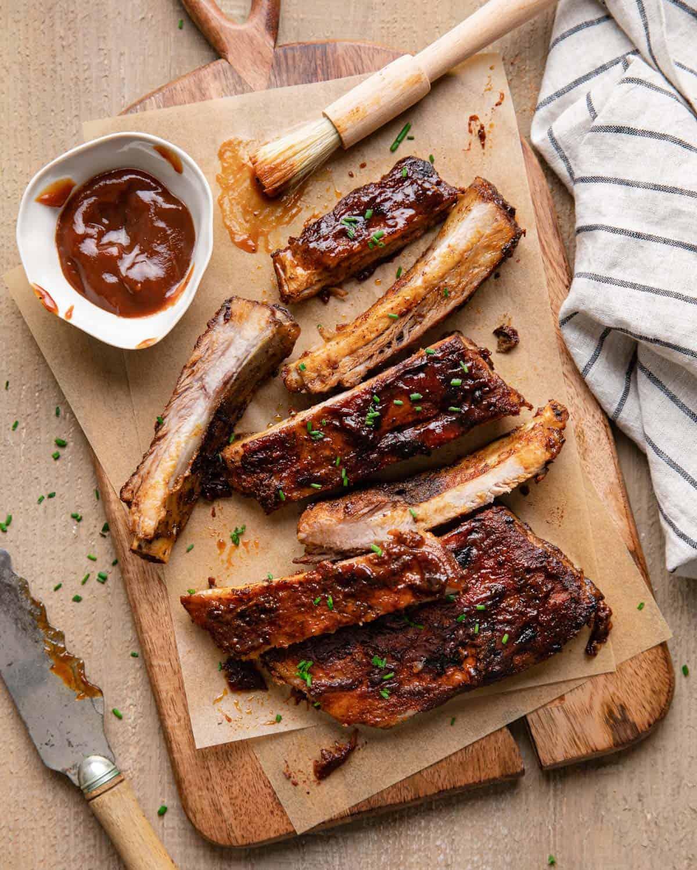 overhead of sliced ribs